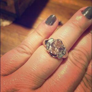 Jewelry - Costume ring.